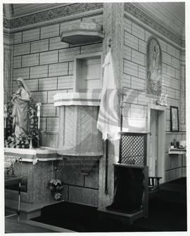 Pulpit, Holy Trinity Ukrainian Catholic Church